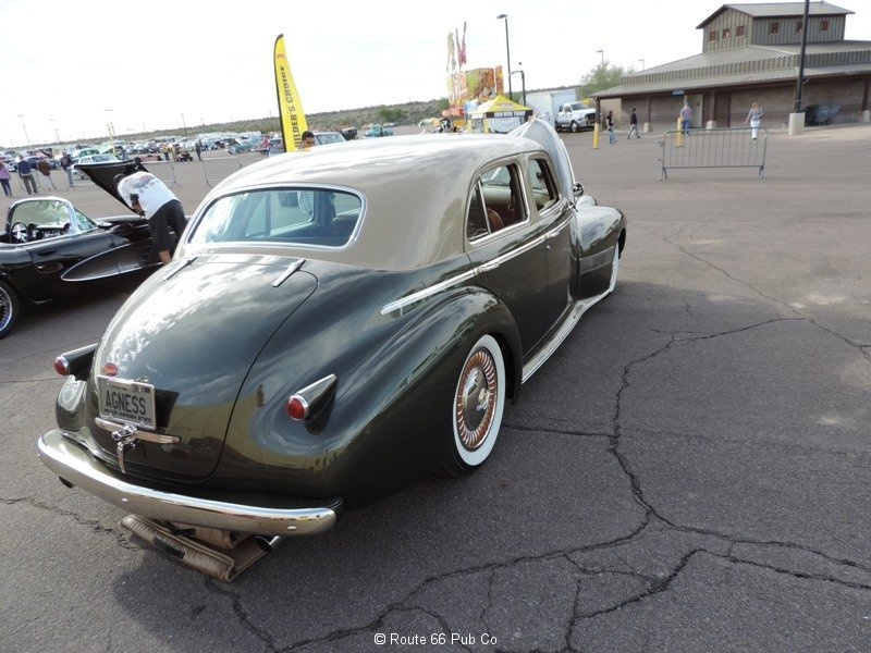 1940 Oldsmobile Right Rear