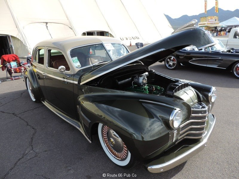 1940 Oldsmobile Front view