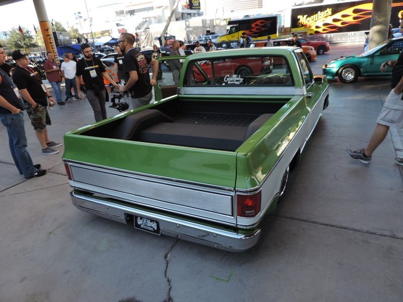 Gas Monkey Garage 76 Chevy C-10 truck rear end