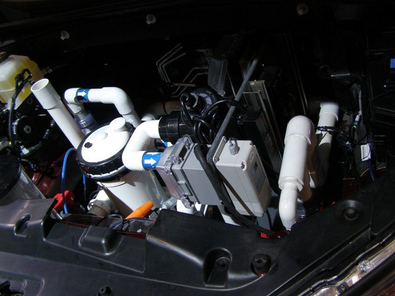 Engine compartment of Tanked Highlander
