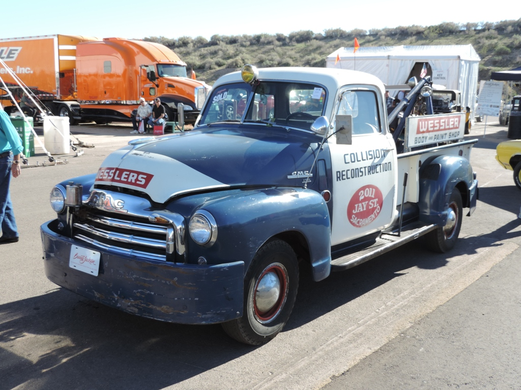 GMC modified tow truck
