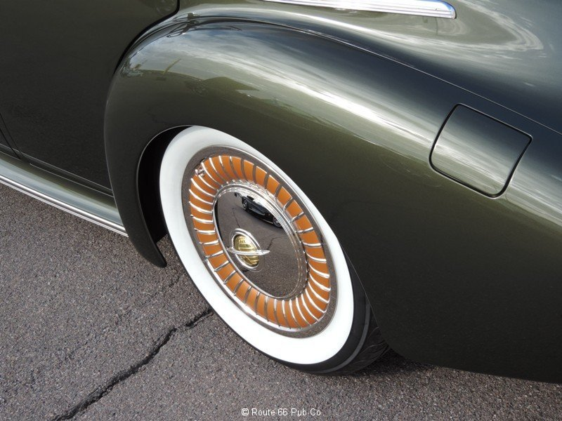 1940 Oldsmobile Wheel