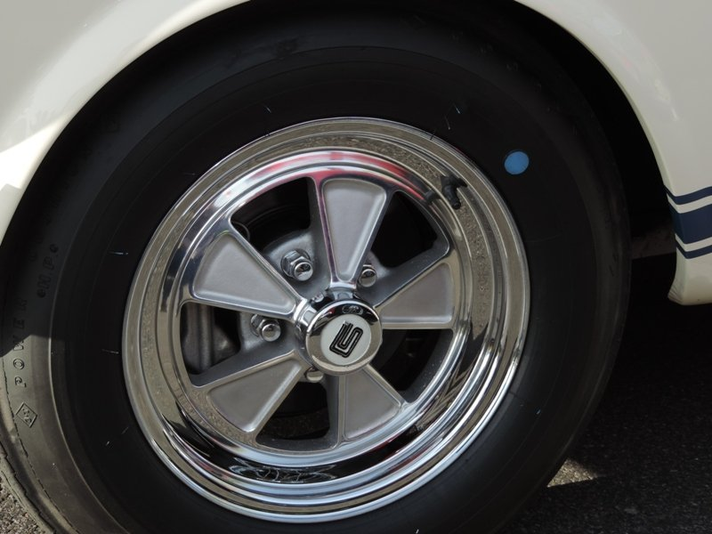 GT350 wheel close up